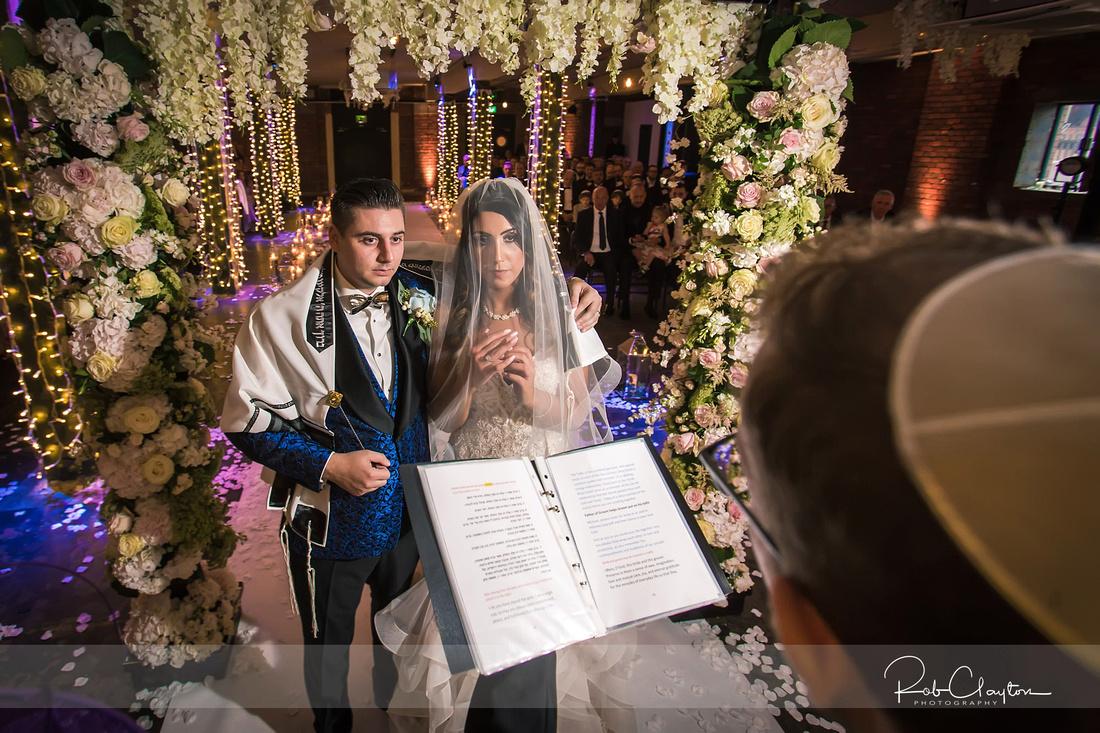 Victoria Warehouse Manchester Wedding Photographer - Michael & Saima Blog 41