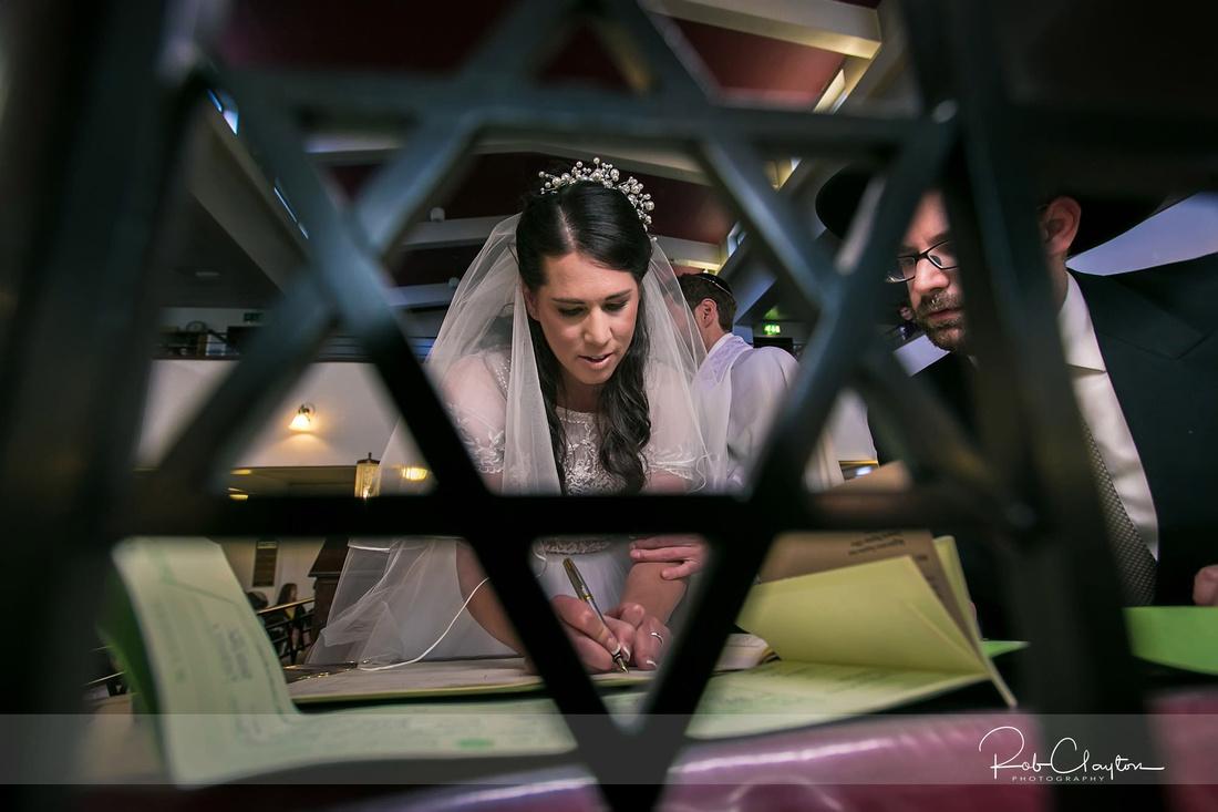 Manchester Jewish Wedding Photographer - Shana & Jonny Blog 41