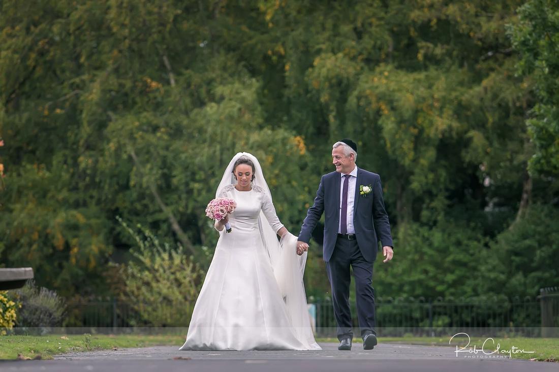 Jewish Manchester Wedding Photographer - Refoel & Faigy Blog 16